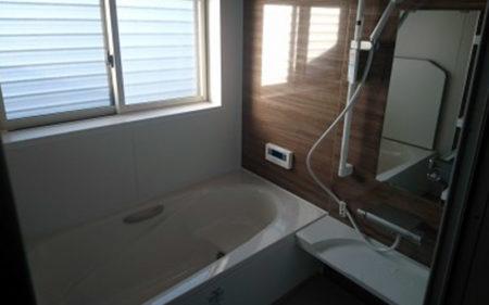 肌寒いタイル張りのお風呂場を暖かいシステムバスへ 伊達郡
